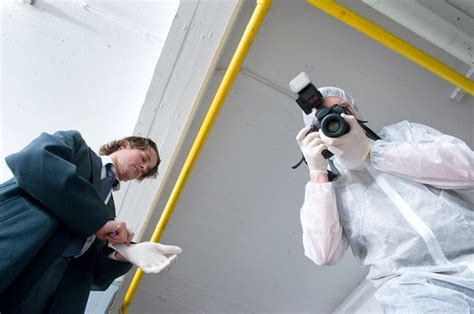 Forensic Photographer Description by Forensic Explore A Career In The World Of Csi Mail