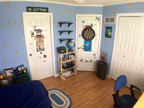 andy s room spends two years recreating a real andy s room from story 3 geekologie