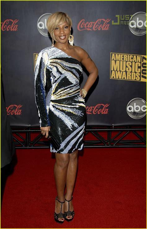 2007 American Awards J Blige by J Blige 2007 American Awards Photo 744361