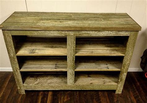 diy pallet bookcase shelves 101 pallets