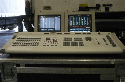 etc express lighting console used expression 3 800 by electronic theatre controls
