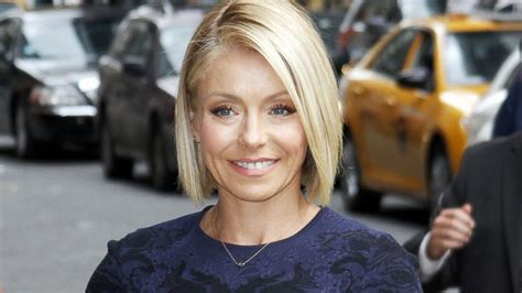 kelly ripper hair style now kelly ripa sent racy selfie to her in laws abc news