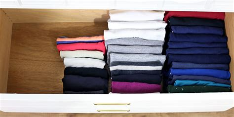 How To Fold Sweaters In A Drawer by How To Fold Clothes Vertically Konmari Organizing Method