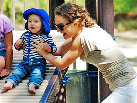Goon N Smile Baby M34 natalie portman baby aleph go on playdate in park pictures