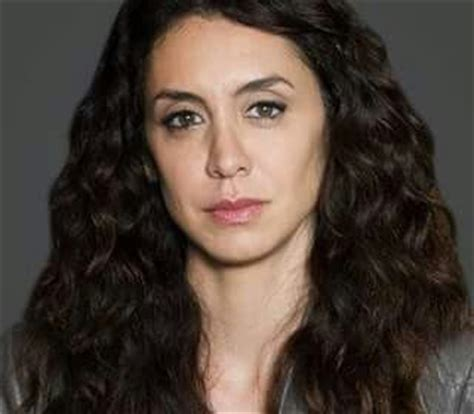 blacklist female star mozhan marn 242 as agent samar navabi the blacklist james