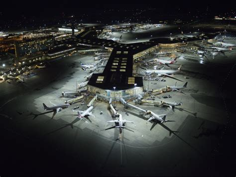 diode lighting vancouver vancouver international airport installs new apron led lighting system airport technology
