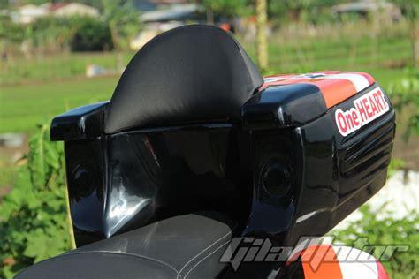 Knalpot Honda Pcx 150 Akrapovic Gp Pedrosa Half Blue Harga Grosir modifikasi honda pcx 150 kado buat sang juara gilamotor