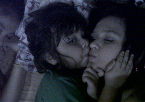 film remaja ciuman beredar foto ciuman bibir cut meyriska