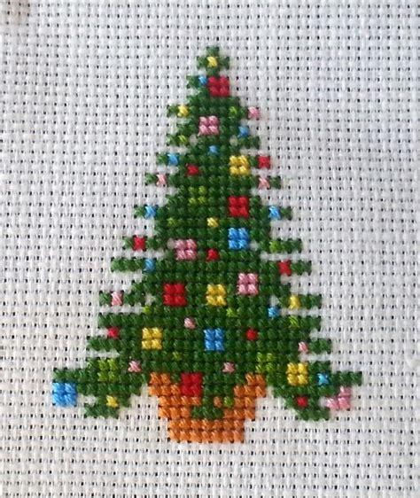 christmas needlepoint pattern christmas cross stitch fishwolfeboro