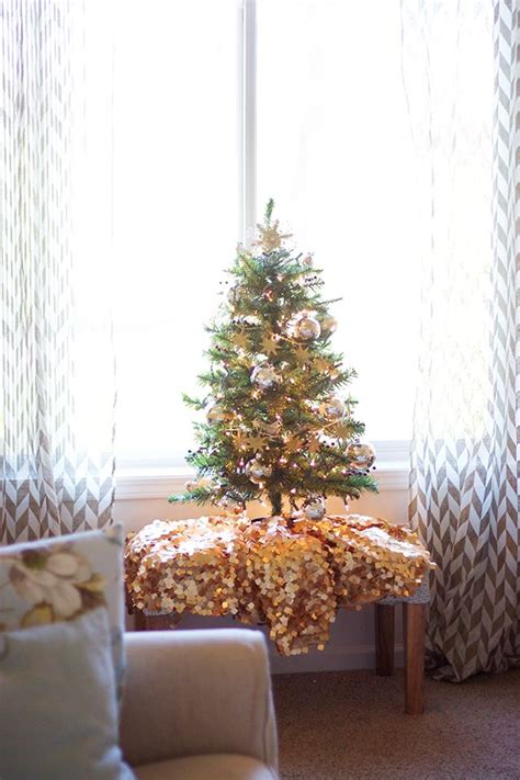 decorate xmas tree modern apartment 25 best ideas about mini tree on 2016 ideas and