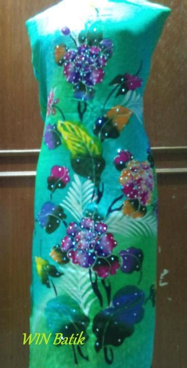 Wina Batik win batik terengganu anggun pesona menawan
