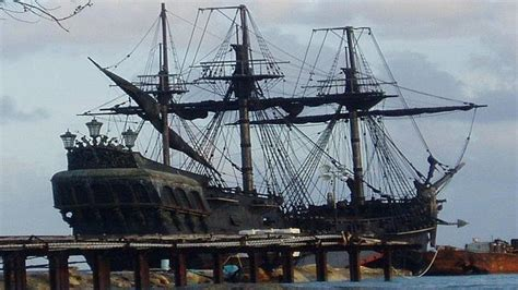 pelicula de un barco que se hunde se hunde el barco de 171 piratas del caribe 187 mientras