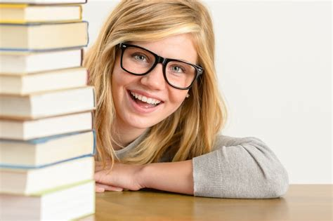 trends in teen boys eyewear 2015 what are the latest trends in eyeglasses for teenagers in