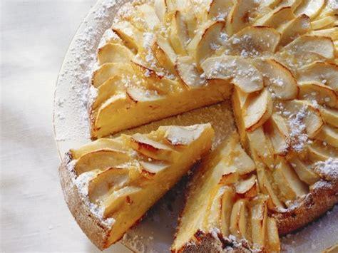 glutenfreier kuchen mit maismehl m 246 hren mandel kuchen mit 196 pfeln rezept eat smarter