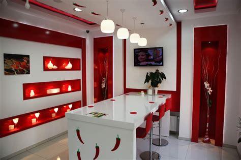 layout ne demek türkçesi şık kırmızı beyaz oturma odası duvar 246 rnekleri