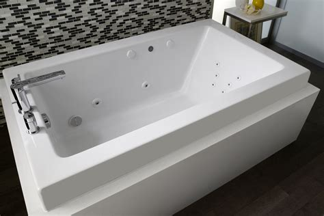 Oversized Jetted Bathtubs Bathtub Buying Guide Tools Home Improvement