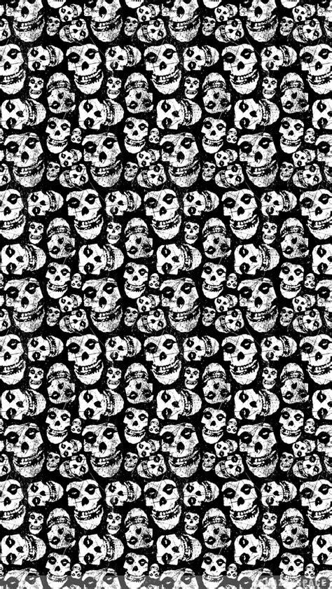 Scary Misfits Skulls iPhone Wallpaper