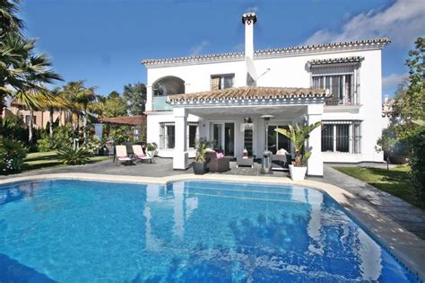 Buy House In Marbella 28 Images Buy A Spacious Beachside House In Marbella 70m
