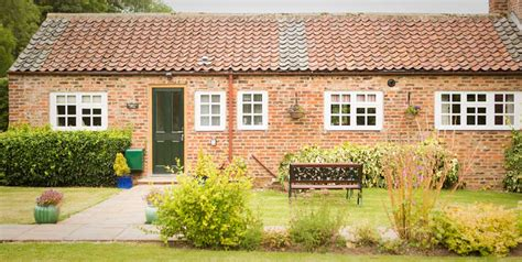 2 3 bed self catering cottages near bridlington