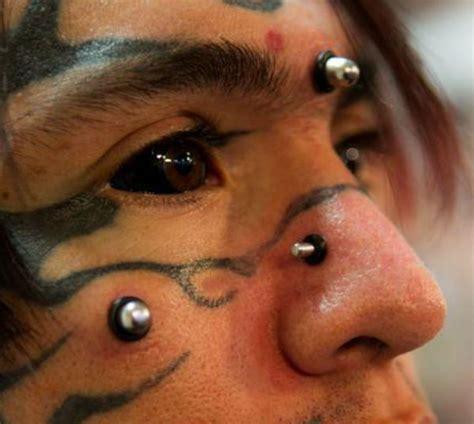 imagenes ojos tatuados los 10 tatuajes oculares planeta curioso