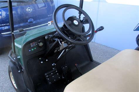 auto usate per disabili con comandi al volante comandi al volante permettono la guida ai paraplegici
