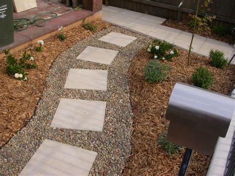 idee giardini esterni 30 idee di pavimenti in pietra per esterni e giardini