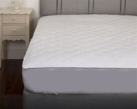 Cotton Quilted Mattress Protector by Luxury Quilted 300tc 100 Cotton Percale Luxury