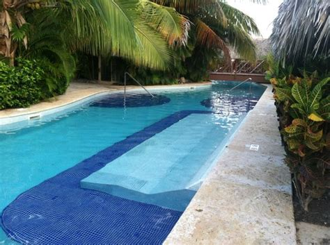 Up Pool Bed pool bed our swim up suite picture of the