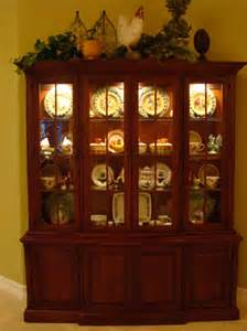 How To Decorate A China Cabinet The Art Of Accessorizing A China Cabinet Matt And Shari