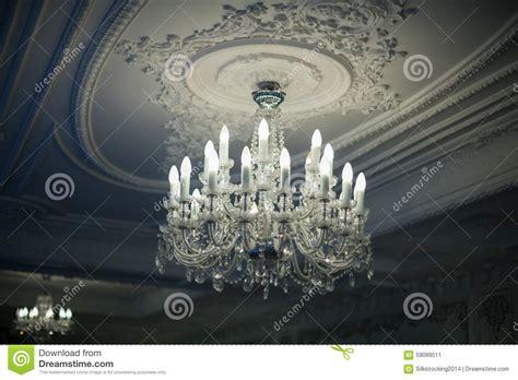 kristallleuchter decke antiker kristallleuchter stockbild bild dekadenz