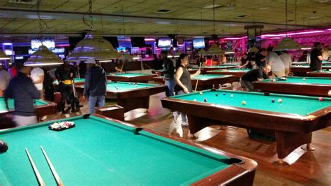 bars with pool tables nyc sports bar with pool tables brokeasshome com