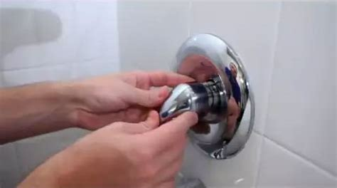how to fix a leaky single handle tubshower faucet danco