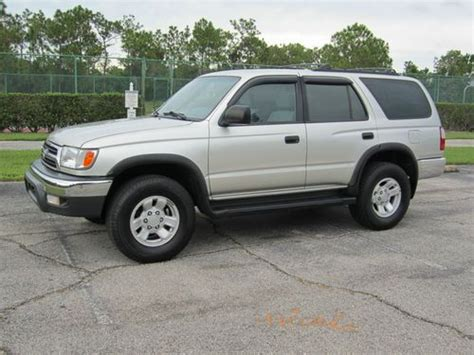 buy   toyota runner  cylinders   speed wd