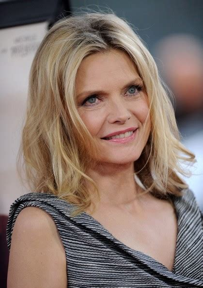 michelle pfeiffer hairstyles short michelle pfeiffer long straight hair style short
