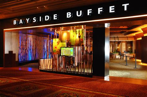 Dads Enjoy Exceptional Dining Experiences This Father S Mandalay Bay Restaurants Buffet
