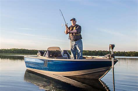 crestliner boats 1650 fish hawk 2016 new crestliner 1650 fish hawk sc aluminum fishing