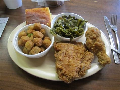 carvers country kitchen fried chicken thigh and leg collard greens and fried