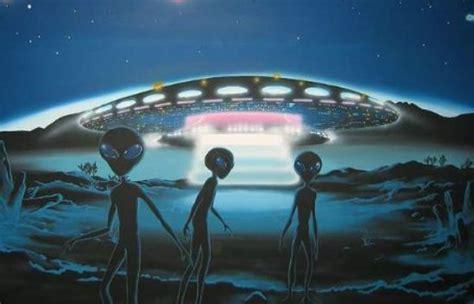 disco volante ufo ufo photographs taken in the sky himeji city japan