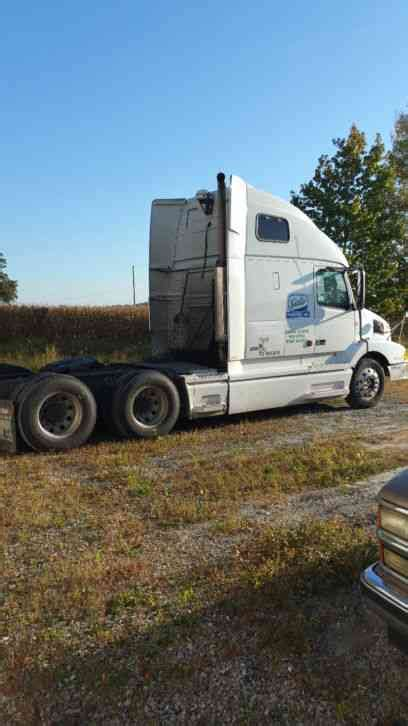 2002 volvo truck volvo 2002 sleeper semi trucks