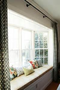 How To Decorate Windows With Curtains Best 25 Bay Window Curtains Ideas On Pinterest Bay