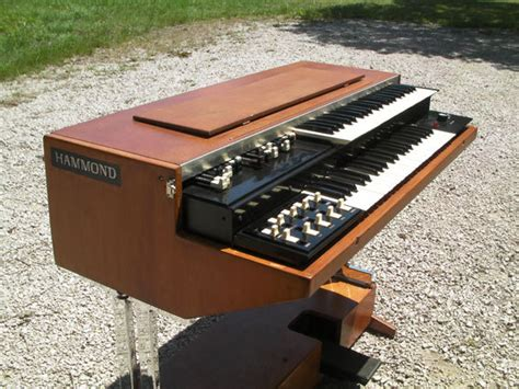 Organ L by Hammond L100 P Image 226093 Audiofanzine