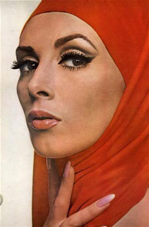 Tas Cover Helm Trendy brown by ashlene turbanistas supermodel wilhelmina cooper