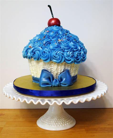 giant cupcake cake pan giant cupcake cake cakecentral com