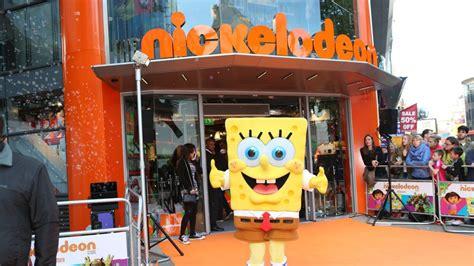 wann kommt spongebob schwammkopf im kino schock spongebob schwammkopf erfinder an als erkrankt