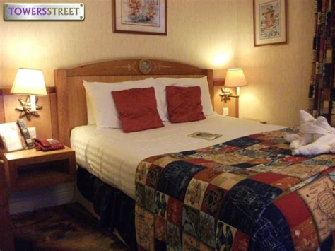 alton tower rooms towersstreet gallery explorer rooms at bedroom 4 your premier alton towers guide