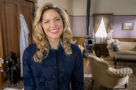 pascale hutton  rosemary   calls  heart hallmark channel
