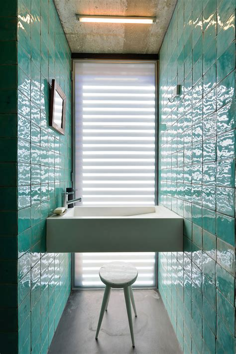 Modern Bathroom Tiles 2014 by Top 10 Tile Design Ideas For A Modern Bathroom For 2015