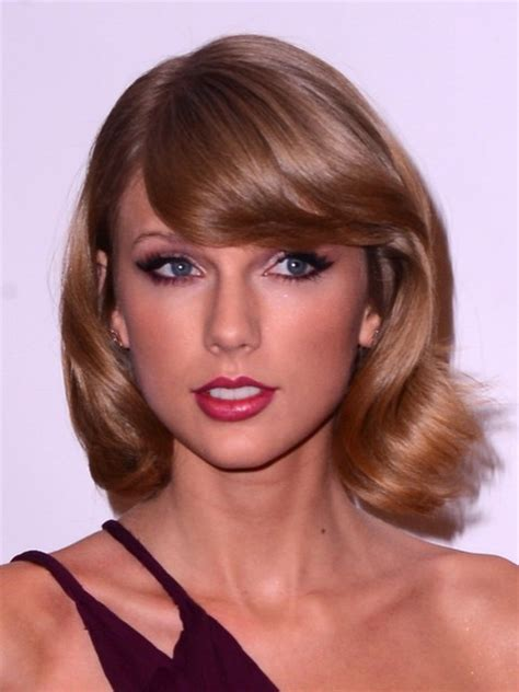 swoop bangs with short curly hair 40 celebrity short hairstyles short hair cut ideas for