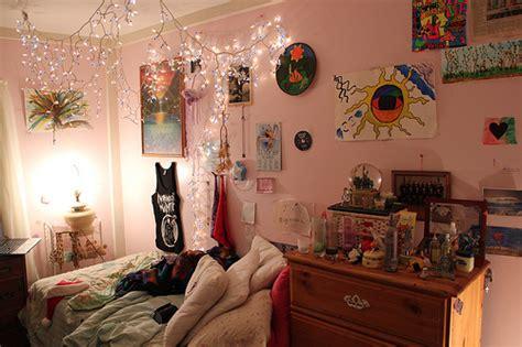 tumblr christmas lights bedroom bed bedroom christmas lights lights messy image 363172 on favim com