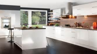 Glossy White Kitchen Cabinets High End Kitchen Flooring White Gloss Kitchen Cabinets European Kitchens Glossy White Kitchen